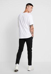 Good For Nothing - FUTURE PANT - Pantalon de survêtement - black - 3