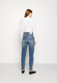 Herrlicher - PITCH CONIC  - Slim fit jeans - retro marvel - 2