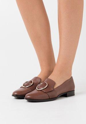 AHORA - Slip-ons - marron