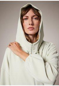 comma casual identity - MODALMIX - Zip-up sweatshirt - misty green - 4