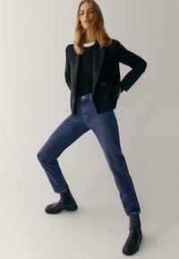 Massimo Dutti - MIT HALBHOHEM BUND  - Slim fit jeans - blue - 3