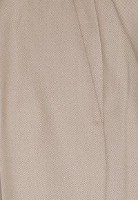 Isaac Dewhirst - THE FASHION SUIT SET - Completo - beige - 12