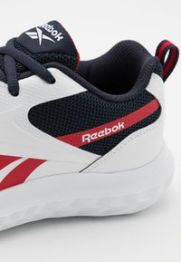 Reebok - RUSH RUNNER 3.0 UNISEX - Neutral running shoes - white/night navy/vector red - 5