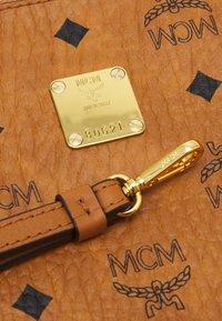 MCM - Clutch - cognac - 5