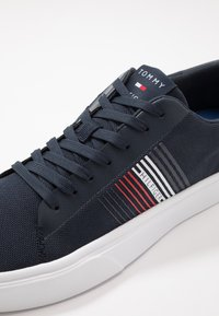 Tommy Hilfiger - LIGHTWEIGHT STRIPES - Zapatillas - blue - 5