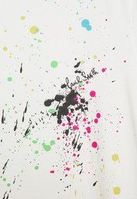 Paul Smith - GENTS PAINT SPLATTER UNISEX - Print T-shirt - white - 6