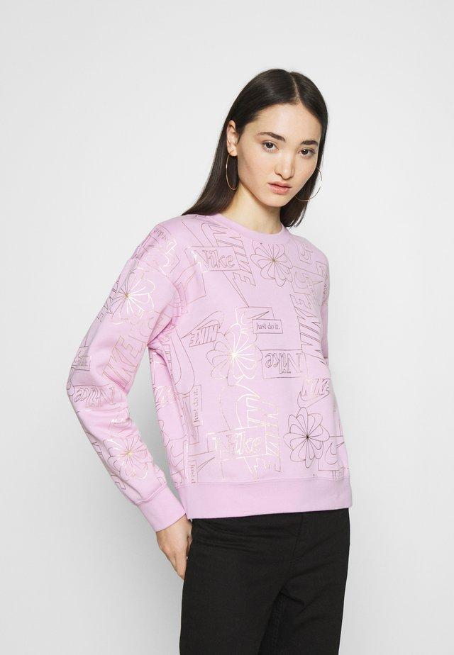 Collegepaita - light arctic pink