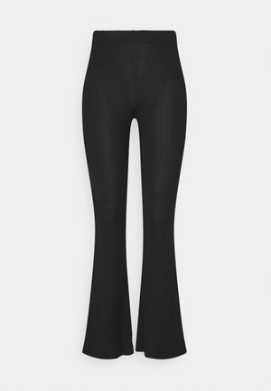 PCTOPPY FLARED PANT - Kangashousut - black