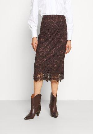 Pouzdrová sukně - onyx brown