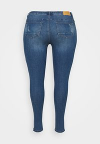 ONLY Carmakoma - CARKARLA - Jeans Skinny Fit - medium blue denim - 1