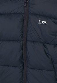 BOSS Kidswear - PUFFER JACKET - Zimní bunda - navy - 2