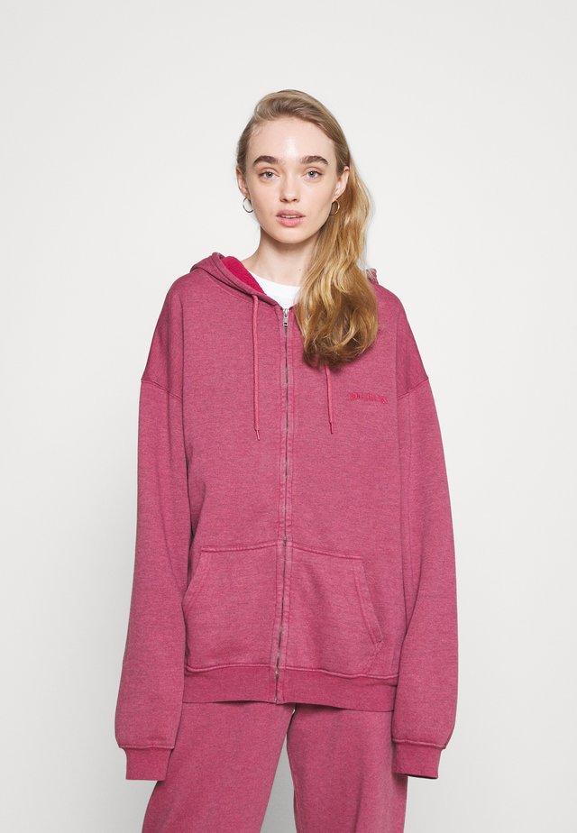 ZIP THROUGH HOODIE - Zip-up sweatshirt - raspberry