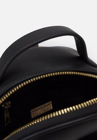 Versace Jeans Couture - SMALL BACKPBACK - Rucksack - nero - 3