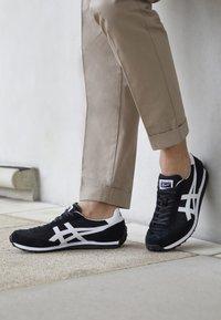 Onitsuka Tiger - EDR 78 - Sneakers - black white - 4