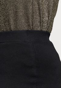Kaffe Curve - KITY SKIRT - Pencil skirt - black deep - 4