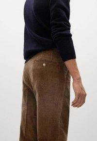 Mango - AUS CORD - Trousers - tobacco-braun - 4
