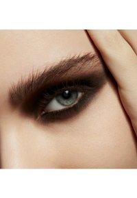 MAC - POWDER KISS EYESHADOW SMALL EYESHADOW - Eye shadow - give a glam - 4