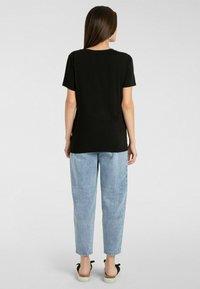 Apart - T-shirt imprimé - schwarz - 1