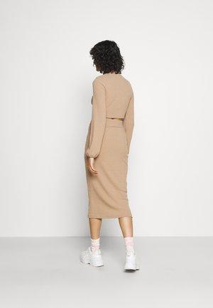 CROPPED SKIRT SET - Falda de tubo - beige