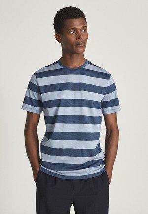 TUNBRIDGE - Print T-shirt - blue