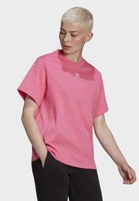 adidas Originals - T-SHIRT - Print T-shirt - sesopk - 2