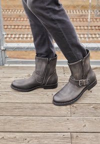Replay - BEDFORD - Cowboy/biker ankle boot - stone - 4