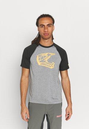 FAZE TEE MEN'S - T-shirt print - gun metal melange/ pirate black
