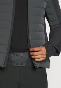 Kjus - MEN SIGHT LINE  - Ski jacket - dark jet green/black - 7