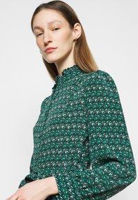 WEEKEND MaxMara - VERBAS - Denní šaty - dark green - 3