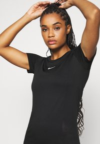 Nike Performance - INFINITE - Print T-shirt - black - 4