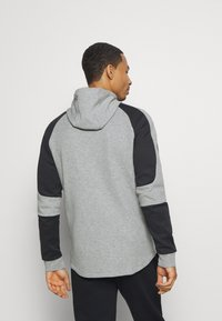 Puma - EVOSTRIPE HOODIE - Hoodie met rits - medium gray heather - 2