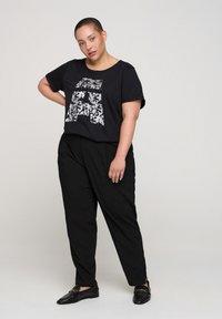 Active by Zizzi - Print T-shirt - black - 1