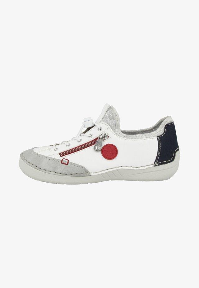 Chaussures à lacets - white