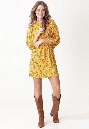 ELLORA - Robe d'été - yellow