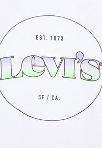 Levi's® - VINTAGE RAGLAN CREW - Sweatshirt - gradient white - 5