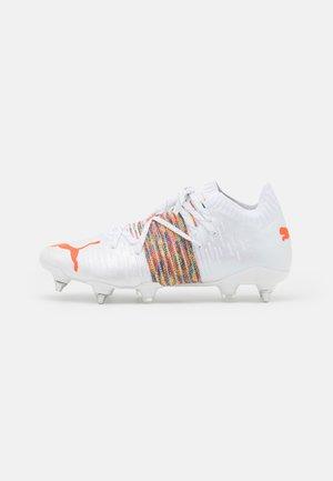 FUTURE Z 1.1 MXSG - Screw-in stud football boots - white/red blast