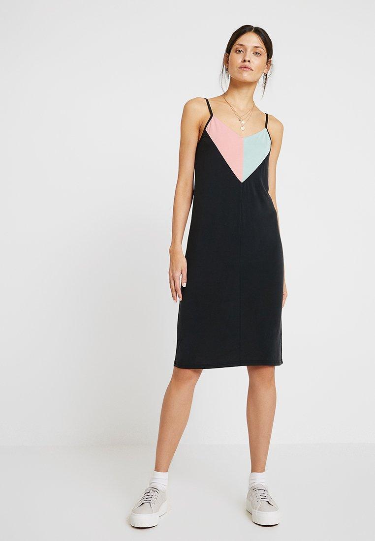 Nümph - NEW CASSIANA DRESS - Jersey dress - caviar
