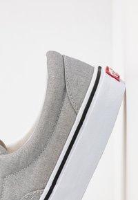 Vans - ERA - Sneakersy niskie - silver/true white - 2