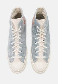 Converse - CHUCK TAYLOR ALL STAR 70 BUGS BUNNY - High-top trainers - grey/egret - 3