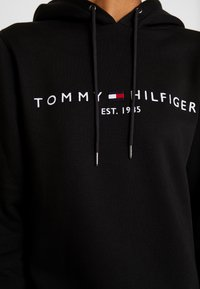 Tommy Hilfiger - HOODIE - Jersey con capucha - black - 5
