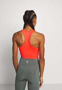 ONLY Play - ONPJASE CIRCULAR CROPPED - Camiseta de deporte - fiery coral - 2