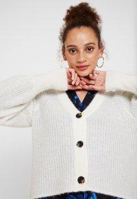 Selected Femme - SLFIVA CARDIGAN - Vest - snow white - 3