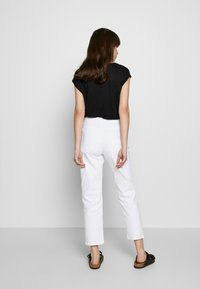 Ética - FINN ANKLE - Jeans straight leg - sustainable white - 2