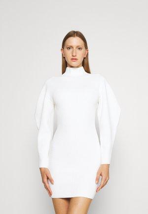 CONTOUR MINI DRESS - Gebreide jurk - alabaster