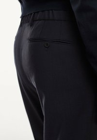 Massimo Dutti - CASUAL FIT - Trousers - dark blue - 5