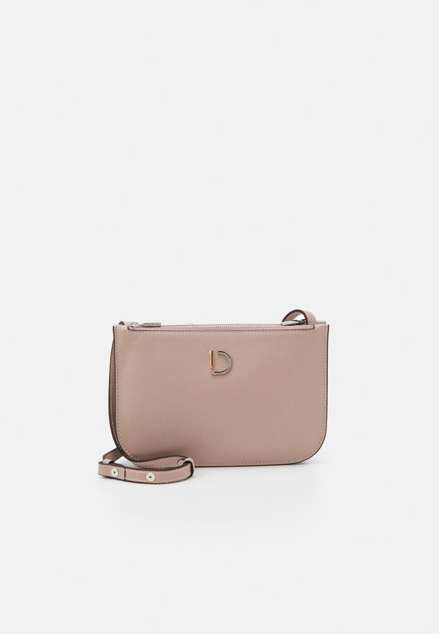 MARCIA SMALL DOUBLE BAG - Axelremsväska - nappa rose