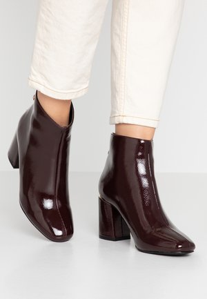 AFAR TRIM HEEL BACK ZIP  - Ankle boots - dark red