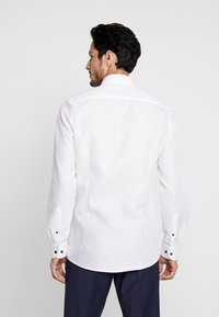 OLYMP Level Five - OLYMP LEVEL 5 BODY FIT  - Formal shirt - weiss - 2
