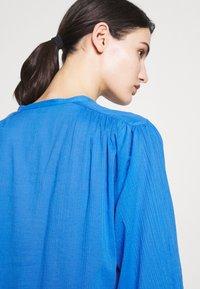 CLOSED - CHERRY - Button-down blouse - bluebird - 6