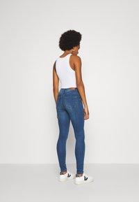 Vero Moda - VMTANYA PIPING - Jeans Skinny - dark blue denim - 2